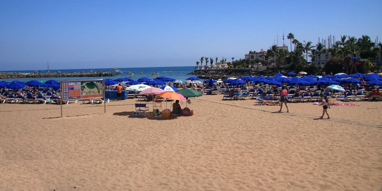 Der Strand von Puerto de Mogan