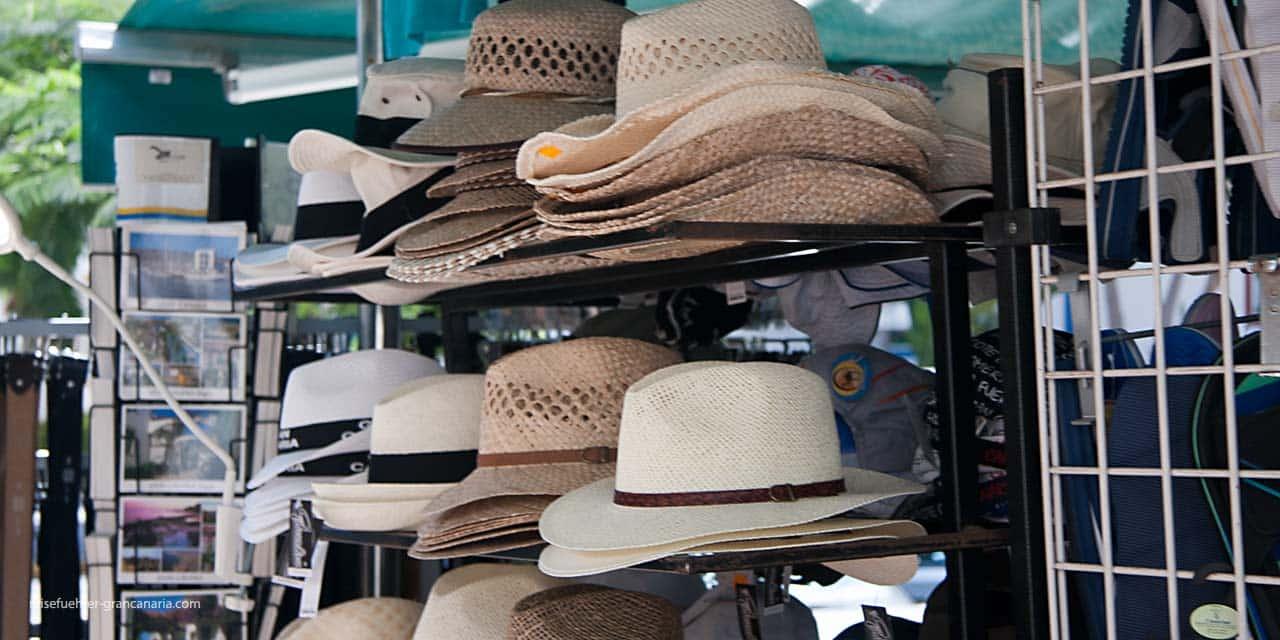 Puerto de Mogan - Hüte und Souveniers