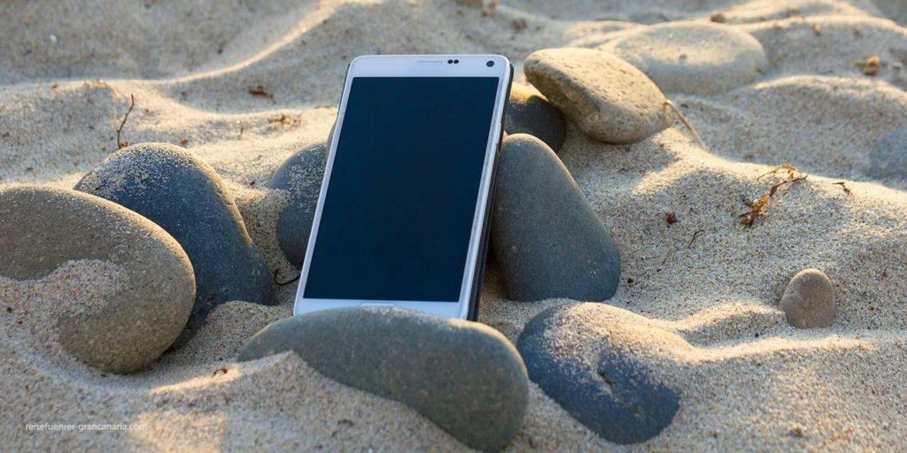 Handy am Strand - 10 Tipps für den perfekten Strandurlaub