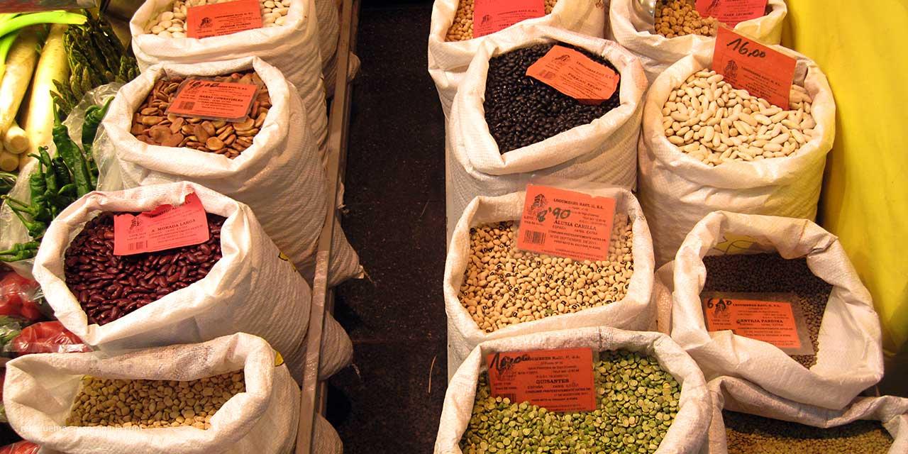 Exotische Gewürze im Mercado de Vegueta in Las Palmas